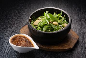 国産豚レバーと空芯菜